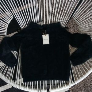 FOREVER 21 Soft Fuzzy Black Cropped Sweater Top